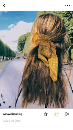 effortless and easy hairstyles with scarves My Hairstyle, Scarf Hairstyles, Cool Hairstyles, Blonde Hairstyles, Hairdos, Natural Hairstyles, Cut Her Hair, Hair Cuts, Bad Hair