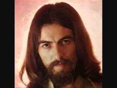 George Harrison-My Sweet Lord -  publicada en el álbum de estudio All Things Must Pass en noviembre de 1970. Lanzada también como primer sencillo de su carrera en solitario tras la separación de The Beatles, «My Sweet Lord» alcanzó el primer puesto de las listas de éxitos de numerosos países y fue el sencillo más vendido del Reino Unido en 1971. Originalmente, Harrison dio la canción a su compañero de Apple Records Billy Preston.