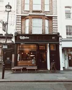 My favorite coffee shop in all of London! ❤️