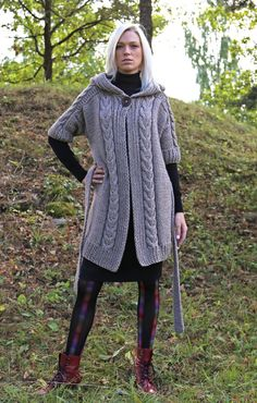 Instant Download PDF pattern. Cable knit hooded by IlzeOfNorway