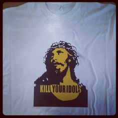 idol's t-shirt