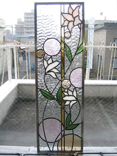 Shizuoka Prefecture M House 2009 ' Stained Glass Studio, Modern Stained Glass, Stained Glass Quilt, Stained Glass Door, Stained Glass Flowers, Stained Glass Designs, Stained Glass Panels, Stained Glass Projects, Stained Glass Patterns