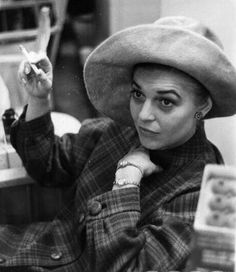 Portrait of American actor Anne Bancroft sitting in a doorway and. Hollywood Actresses, Old Hollywood, Actors & Actresses, Classic Hollywood, Anne Bancroft, The Golden Years, Barbara Stanwyck, Oscar Winners, Ageless Beauty