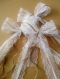 Hochzeitsdeko - Antennenschleifen in zauberhaften Vintage-Stil - ein Designerstück von Verliebt-in-das-Leben bei DaWanda