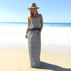 NAVY & WHITE STRIPED MAXI DRESS WITH SCALLOP LACE TRIM #ustrendy www.ustrendy.com