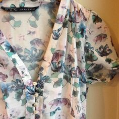 ZARA White Floral Dress - Adorable & Feminine Summer sundress with liner attached. Never worn/PERFECT condition. Very flattering shape and cut. Ask if you have any questions. Zara Dresses