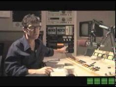 """Ira Glass nous explique pourquoi il ne faut pas laisser tomber nos projets et envies, même si notre expression n'est pas aussi précise que ce qu'on aimerait qu'elle soit :  Do what you love, trust your taste.  """"Fait ce que tu aimes, et fait-en des tonnes. Crée toi des livrables, fait de ton mieux, même si tu n'arrives pas exactement au résultat espéré, continue.  Crée, aie confiance en tes envies. Continue, n'arrête pas."""""""