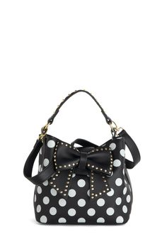 Another win for my sister. Polka dots and Bows. Betsey Johnson Outfit of the Daring Bag, Rockabilly, Cute Purses, Guess Purses, Vintage Bags, Retro Vintage, New Bag, Cute Bags, Coach Purses, Coach Bags