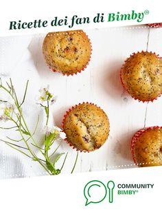 Muffin all'acqua con banana, frutti rossi e semi di papavero è un ricetta creata dall'utente Ilsolleticonelcuore. Questa ricetta Bimby® potrebbe quindi non essere stata testata, la troverai nella categoria Prodotti da forno dolci su www.ricettario-bimby.it, la Community Bimby®. Muffin, Breakfast, Food, Morning Coffee, Muffins, Cupcake, Meals, Morning Breakfast, Cupcakes