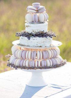 Wedding cake idea; Featured Photographer: Annemarie King Photography