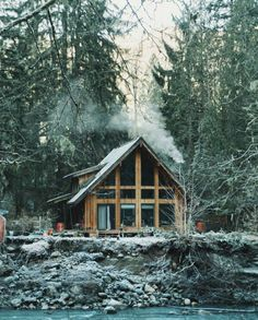 25 snowy cabins that will help you embrace winter's solitude 25 snowy cabins that will help you embrace winter's solitude Winter Cabin, Cozy Cabin, Cabin Homes, Log Homes, Alaska House, Summer Cabins, Haus Am See, Mountain Cottage, Cabin In The Woods