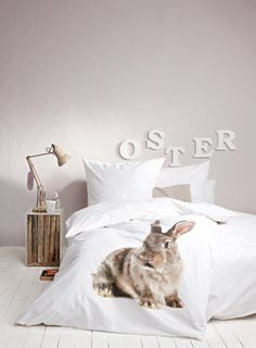 White bed linen with highlight european pillow. Natural Bedroom, E Room, European Pillows, Teen Girl Rooms, Relaxation Room, Kid Spaces, Kid Beds, Kids Decor, Kids Furniture