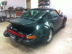 1985 930 in triple black