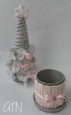 The world's catalog of creative ideas Cone Christmas Trees, Christmas Bows, All Things Christmas, Christmas Holidays, Christmas Crafts, Christmas Decorations, Ornament Crafts, Xmas Ornaments, Decor Crafts