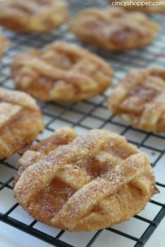 Caramel Apple Pie Cookies -Easy fall cookie. Pastry crust, warm gooey caramel and apples make them delish.