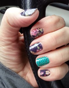 This week I'm wearing the March hostess exclusive with a retired crisscross design. The current catalog has lots of beautiful floral designs, and two new crisscross wraps. Check it out! www.primpyournails.com $15.00 #jamberry #nailwraps #nailart #mani #notd #nails
