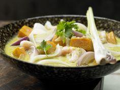Thai-Kürbistopf - mit Garnelen und Reisnudeln - smarter - Kalorien: 341 Kcal - Zeit: 50 Min. | eatsmarter.de
