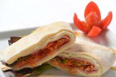 Menu Kzuka: sanduíche de pão sírio Solanda Rodrigues/Solanda Rodrigues