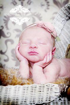 #newborn, #newbornposes, #baby, #headband,newbornphotography