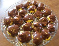 CREAM PUFFS/ AKA- MINIATURE ECLAIR BALLS http://cookingwithserena.com/?p=5911