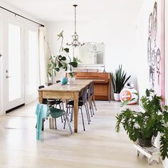 eclectic style - Eclectic Home Decor Dining Area, Dining Table, Frameless Mirror, Cozy Living, Eclectic Style, Living Spaces, New Homes, Relax, Indoor