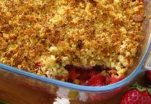Strawberry Crumble with Thermomix Thermomix Desserts, Gourmet Desserts, Pancakes Ww, Beignets, Cake Factory, Strawberry Recipes, Macaroni And Cheese, Puddings, Yummy Food
