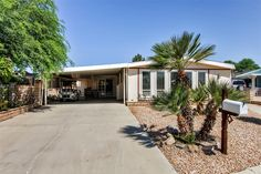 Beautiful & Sunny 2BR Palm Desert Home w/Wifi, Private Patio & Mountain Views - Near Several Amazing Golf Courses, Restaurants, Water Park, Shopping & More! #travel #palmdesert