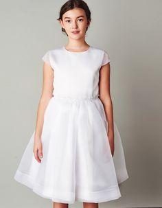 Sukienka z koronką w pasie