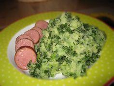 Na Holanda temos o Stamppot: um prato de inverno com verduras, batatas e carne. Há variações da carne, pode ser salsicha ou bacon.