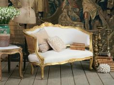 Oh-so-French and chic! Another settee to fall in love with.