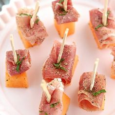 Proscuitto and Cantaloupe Appetizers Recipe Appetizers with proscuitto, cantaloupe, basil leaves, black pepper