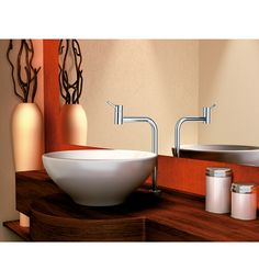 Para escolher a torneira ideal para o seu banheiro fique atento às medidas do gabinete e da cuba. Ao escolher uma cuba de apoio, é importante que sua torneira seja de bica alta. Os modelos de mesa são os mais indicados.