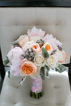 pretty wedding bouquet idea; photo: Jasmine Lee Photography