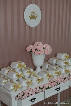 To-go boxes for cake slices? Bridal Shower, Baby Shower, Party Decoration, Ideas Para Fiestas, Princess Party, Holidays And Events, Dessert Table, Party Planning, Party Time