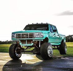 jacked up trucks mudding Best Pickup Truck, Ford Pickup Trucks, 4x4 Trucks, Custom Trucks, Cool Trucks, Chevy Trucks, Obs Truck, Ford Diesel, Diesel Trucks