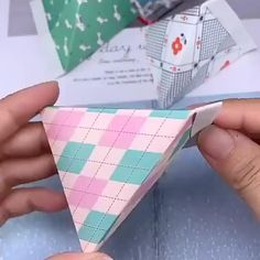 and crafts ideas videos candy box Cool Paper Crafts, Paper Crafts Origami, Diy Paper, Paper Art, Diy Crafts Hacks, Diy Crafts For Gifts, Diy Crafts Videos, Diy Projects, Origami Simple