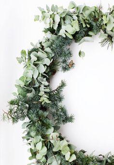 DIY: 9 vackra dekorationer med granris | ELLE Decoration