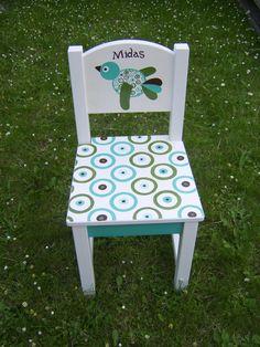 Prachtige kleuren op dit geboorte stoeltje.
