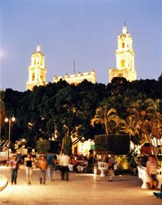 Mérida's Zócalo is also called the Plaza Grande. At the center of the city, it's a great place to visit day or night.