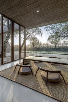 A private residence that reads like a Buddhist spiritual retreat. Not an easy synthesis to achieve as the clutter and noise of daily life tends to take over, if not immediately, then at least over time. But for now, this recently completed residence...