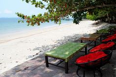 Ocheteaul Beach is a full-service beach with over one hundred local restaurants. One of the most popular beaches in the area. Outdoor Furniture Sets, Outdoor Decor, Cambodia, Beaches, Restaurants, To Go, Popular, World, Inspiration