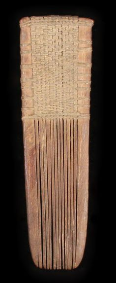 19th century Maori wooden small comb (Heru Mapara). Extremeley rare, made of separate wooden teeth lashed together with flax fibre. Length 11 cm