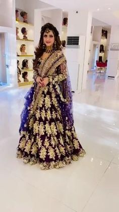 Indian Bridal Outfits, Indian Fashion Dresses, Indian Bridal Fashion, Dress Indian Style, Indian Designer Outfits, Designer Dresses, Fancy Wedding Dresses, Bridal Dresses, Pakistani Bridal