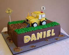 Construction Truck Cake by cakespace - Beth (Chantilly Cake Designs), via Flickr