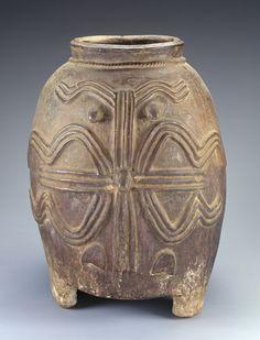 Kurumba artist, Burkina Faso Storage vessel Mid-20th century Ceramic National Museum of African Art, gift of Saul Bellow