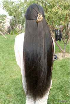 Beautiful Women with Super Long Hair - Bing Beautiful Long Hair, Gorgeous Hair, Beautiful Women, Long Indian Hair, Silky Smooth Hair, Rides Front, Natural Hair Styles, Long Hair Styles, Long Black Hair