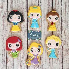Disney Princess Cookies, Disney Princess Birthday Party, Disney Cookies, Fancy Cookies, Cute Cookies, Holiday Cookies, Cupcake Cookies, Cookie Icing, Royal Icing Cookies