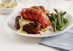 Sauce Béarnaise, Surf And Turf, How To Grill Steak, Mets, Grilling, Food, White Wine Vinegar, Cooking Recipes, Lobster Tails
