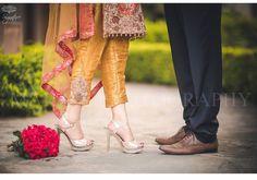 Wedding Couple Photos, Couple Shoot, Wedding Pics, Wedding Couples, Arab Wedding, Wedding Venues, Couple Photography Poses, Bridal Photography, Cute Muslim Couples