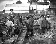 This picture depicts how White and Chinese Forty-niners worked the mines during the gold rush. This website also has archives that give other facts about the gold rush and other points in history around the time of the rush. Ruée Vers L'or, Woodstock, Cap Horn, Westerns, Digital History, Les Continents, California History, Empire, American History